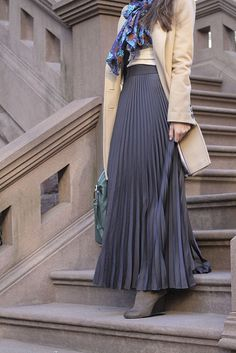 Modest Fashion || pleated skirt