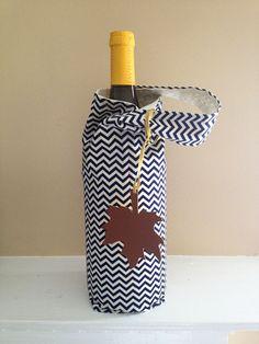 Wine Tote in Navy and Cream Chevron. $10.00, via Etsy.