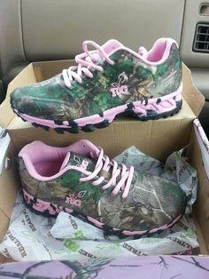 Rebock pink camouflage sneakers