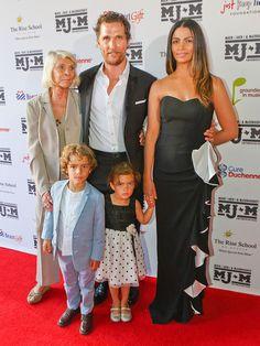 Matthew McConaughey Returns Home to Austin with His Family Famous Celebrity Couples, Celebrity Kids, Beautiful Family, Beautiful Children, Matthew Mcconaughey Kids, Solar Energy, Solar Power, 2 Gallons, Jennifer Aniston Style