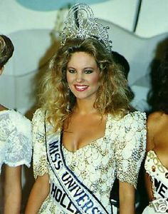 http://pageant-mania.ephpbb.com/t1897-miss-universe-1989-angela-visser-holland