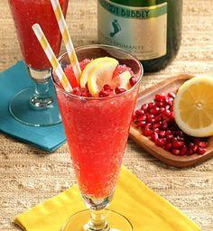 Frozen Moscato Lemonade | 3 oz Moscato, 1 oz lemon juice, 1.5 oz simple syrup, 1 oz pomegranate juice