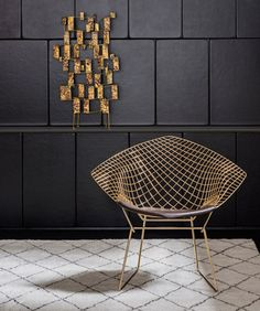 Living Design - Cadeira Diamond, de  Bertoia, 1952, folheada de ouro, by Knoll