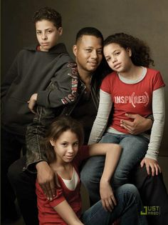 Actor Terrence Howard and his three children Hunter, Aubrey and Heaven for The Gap, 2007 ~ Photo by Annie Leibovitz