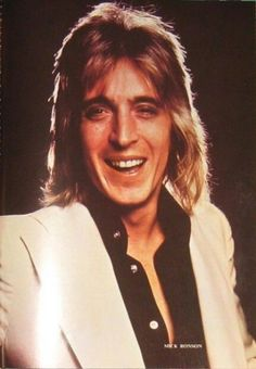 Nice pic of the wonderful Mick Ronson RIP. 70s Rock Bands, Ian Hunter, Mott The Hoople, Mick Ronson, Best Guitarist, Platinum Hair, Thing 1, The Great Gatsby, Glam Rock