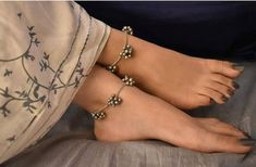 Silver Anklets Designs, Anklet Designs, Stylish Jewelry, Fashion Jewelry, Silver Jewellery Indian, Copper Jewelry, Jewelry Design Earrings, Jewelry Necklaces, Oxidised Jewellery