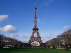 Eiffel tower  #eiffeltower #france #paris #placestoseebeforeyoudie