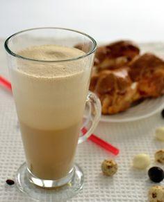 Kawa mrożona Glass Of Milk, Panna Cotta, Pudding, Coffee, Ethnic Recipes, Food, Gastronomia, Kaffee, Dulce De Leche