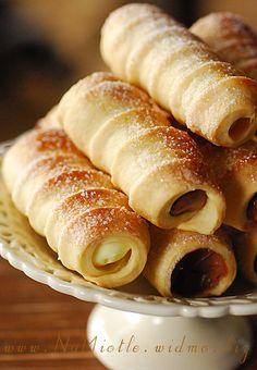 Rurki Z Kremem. A Polish crisp pastry filled with custard cream.