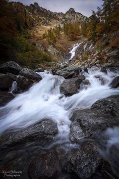 """""""Hanté par les eaux""""  http://schwartzkevin.weebly.com/"""