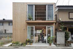 Wooden Box House by Hisako Yamamura suzuki architects