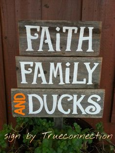 Show your love and support for The Robertson family with this cute yard sign. We live in North Louisiana and my husband grew up knowing the Hunting Signs, Duck Hunting, Raising Ducks, Basement Inspiration, Duck Commander, Block Craft, Oregon Ducks Football, Gifts For Hunters, University Of Oregon