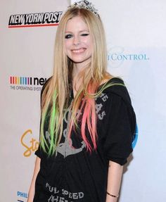Avril Lavigne Style, Avril Lavigne Photos, Pop Punk, Avril Levigne, Punk Rock Princess, Spanish Men, Amanda Seyfried, First Girl, Girl Crushes