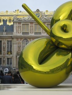 If Louis could see it now...  -jeff koons @ versailles