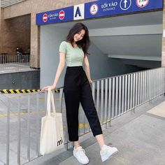 Dress Up Outfits, Dress Clothes For Women, Cute Casual Outfits, Kpop Fashion Outfits, Ulzzang Fashion, Korean Outfits, Korean Fashion Trends, Korean Street Fashion, Short Girl Fashion