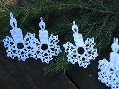 Christmas Snowflakes, Christmas Ornaments, Christmas Stuff, Knitting Patterns, Crochet Patterns, Christmas Decorations, Holiday Decor, Crochet Stitches, Crochet Projects
