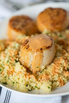 Scallops with Spicy Curry Sauce and Couscous, recipe remake of the King Kong Couscous at Silly Goose in Nashville, TN Clam Recipes, Fish Recipes, Vegetable Recipes, Seafood Recipes, Cooking Recipes, Healthy Recipes, Bread Recipes, Cooking Tips, Scallop Dishes