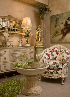 Room In Apple Valley, California. Magazine Is Casa Romantica, Shabby Chic N.3.