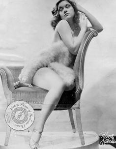 Burlesque-Colleen
