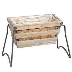 Κασπώ ξύλινο με ψαθα με μεταλλική βάση. Επένδυση με νάϋλον για να τοποθετήσετε φυτό και να ποτίζεται κανονικά.   Διάσταση: 37x17x21 cm
