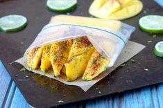 Spicy chili powder mixes with fresh squeezed lime juice, lime zest and sea salt for this paleo Chili-Lime Mango for a tasty vegan snack! Raspberry Salad, Mint Salad, Paleo Chili, Spicy Chili, Healthy Picnic Foods, Sweet Potato Buns, Pumpkin Hummus, Baked Chicken Nuggets, Paleo Chocolate Chips
