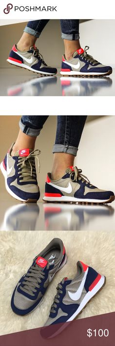 Nike Tri-Tone Internationalist Sneakers •Nike Internationalist sneakers •Women's size 8, true to size. •New in box (no lid). •NO TRADES/HOLDS/PAYPAL/MERC/VINTED/NONSENSE. Nike Shoes Sneakers