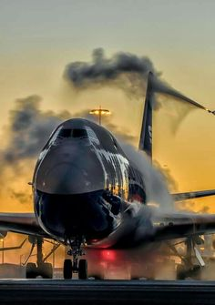 training material for pilots & safety in aviation Boeing Aircraft, Passenger Aircraft, Airbus A380, Commercial Plane, Commercial Aircraft, Avion Jet, Jet Privé, Airplane Wallpaper, Airplane Photography