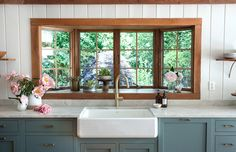 bow window over sink