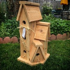 Approximately 23 tall x 10 wide. Perfect for chickadees, wrens or other small nesting birds. Quality solid cedar wood construction. Perfect for harsh weather conditions. Variances in wood grain as natural wood used. Handcrafted with care. ***Mounting board, wood screws and installation instructions included.***   Please allow 2-3 weeks for construction and shipping. Thanks for shopping with us.   The Flower Pot by Jen