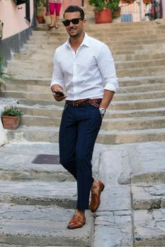White is the best color to wear in the summers. We have got some Beyond classy white shirt outfits for Men which are must-have for a true gentleman. White Shirt Outfits, White Shirt Men, Mens Dress Outfits, Man Outfit, Jean Outfits For Men, White Shirts For Men, White Pants Outfit Mens, Cowboy Outfit For Men, Men's Outfits