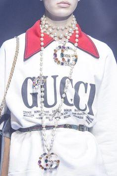 Gucci at Milan Fashion Week Spring 2018 - Details Runway Photos