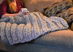 Chunky knit blanket cozy wool lap blanket afghan bed decor living room accent blanket christmas idea gift for her CUSTOM COLORS AVAILABLE