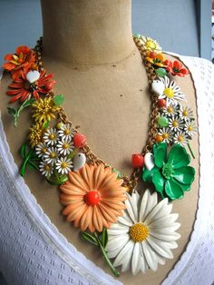 Vintage enamel flower necklace. Work on one in the winter for the up coming spring.