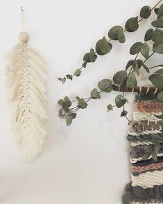 Diy plume en macramé Creations, Wreaths, Diy, Decor, Feather, Home, Decoration, Door Wreaths, Bricolage