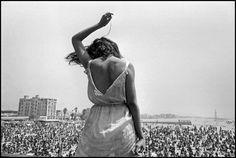 Magnum Photos - Dennis Stock USA. California. 1968. Venice Beach Rock Festival.