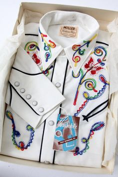 vintage Miller Western Wear shirt, unused with original box Embroidery On Clothes, Vintage Embroidery, Embroidery Designs, Embroidery Stitches, Vintage Western Wear, Vintage Cowgirl, Cowgirl Bling, Western Outfits, Western Shirts
