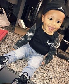 Black Baby Boys, Cute Black Babies, Cute Little Baby, Pretty Baby, Little Black Boys, Baby Boy Swag, Cute Baby Boy Outfits, Cute Baby Clothes, Mixed Baby Boy