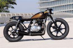 Kawasaki kZ 440 Cafe Racer ´82 - Retro Custom Bikes (Spain) #motorcycles #caferacer #motos   caferacerpasion.com