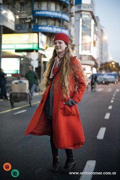 OTC - BUENOS AIRES STREET STYLE: Martina, 21 años, empleada administrativa.