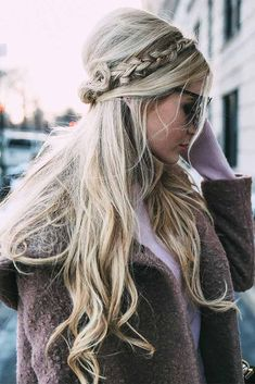 Beautiful Hairstyles for Christmas Celebration Picture 4