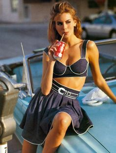 Niki Taylor by Sante D'Orazio for British Vogue, February 1992 Niki Taylor, Vogue Uk, American Women, The Ordinary, Supermodels, Glamour, Collection, Chic, Blue