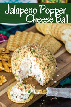 A Jalapeno Popper Cheese Ball is the perfect party appetizer! It's creamy wi… A Jalapeno Popper Cheese Ball is the perfect party appetizer! It's creamy with a little kick and crunch, it's majorly delicious and super easy to make! Jalapeno Poppers, Jalapeno Cheese, Finger Food Appetizers, Finger Foods, Cheese Appetizers, Easy Appetizers For Party, Food For Parties, Party Appetizer Recipes, Cheese Ball Recipes