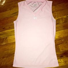 Under Armour light weight tank top Light pink light weight Under Armour tank top. Great for running, barely worn. Size says Medium, but fits comfortably if small, tight for medium. Under Armour Tops Tank Tops
