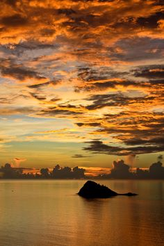 Sunset in Mayotte (by ArthursurFlickr)