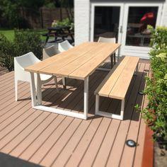Buiten tafel op maat gemaakt door maek meubels. www.maekmeubels.nl Picnic Table, Outdoor Furniture, Outdoor Decor, Home Decor, Garden Ideas, Outdoors, Kitchen Things, Decoration Home, Room Decor