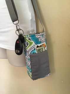 Geometric Insulated, adjustable strap water bottle sling