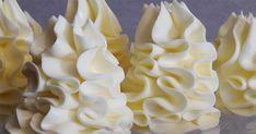 Vă prezentăm o rețetă grozavă de cremă pentru torturi. Este o rețetă foarte simplă, pentru care veți folosi cele mai accesibile ingrediente. Veți obține o cremă foarte fină și delicioasă, cu aromă de vanilie și coniac. Datorită acestei creme veți putea decora orice tort, pentru că are o textură densă. Deserturile dvs preferate vor căpăta un gust desăvârșit și un aspect de sărbătoare. Vă place să preparați torturi acasă? Atunci această rețetă este perfectă pentru dvs. INGREDIENTE –180 g… Swiss Meringue Buttercream, Buttercream Frosting, Icing, Cupcake Frosting, Food Cakes, Cream Cake, Cake Art, Thanksgiving Recipes, Food Photo