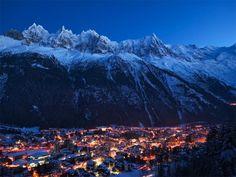 Pays du Mont Blanc / French Alps (Savoie Mont Blanc) We've been there! French Ski Resorts, Best Ski Resorts, Innsbruck, Hotel Des Invalides, Stage Photo, Chamonix Mont Blanc, Normandy Beach, Alpine Village, Plitvice Lakes National Park