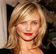 Medium Straight Hairstyles with Side Bangs, Frisuren, Medium Straight Hairstyles with Side Bangs, Side bangs are super popular right now. Wearing your bangs swept to the side gives a soft, relaxed look to. Side Bangs Hairstyles, Square Face Hairstyles, Straight Hairstyles, Cool Hairstyles, Celebrity Hairstyles, Hairstyle Hacks, Style Hairstyle, Hairdos, Haircut For Square Face