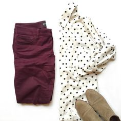 NYC: What I Wore travel outfit for work: Express dot portofino, wine colored skinnies, Sam Edelman Petty booties Burgundy Pants Outfit, Work Fashion, Fashion Outfits, Workwear Fashion, Fashion Blogs, Fashion Fashion, Fashion Trends, Wine Pants, Estilo Hippie